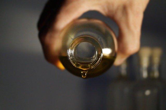 huile essentielle pour la douleur et massage